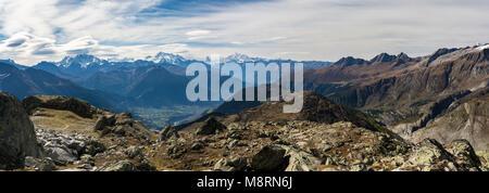 Vue panoramique sur les magnifiques Alpes automne en Suisse Banque D'Images