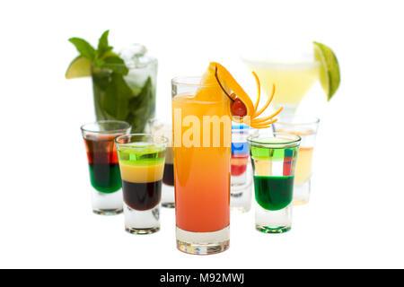 Tequila Sunrise Cocktail sur fond Collection Cocktails floue