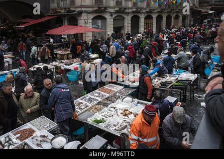 La Pescheria, marché aux poissons Catane, Sicile, Italie. Banque D'Images