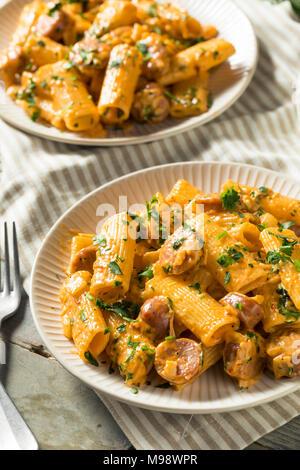 Des saucisses et fenouil Pâtes Sauce à la crème Banque D'Images