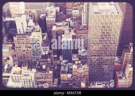 Vue sur midtown Manhattan New York bâtiments avec vintage tone Banque D'Images