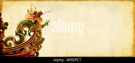 Grunge background avec texture du papier et dragon chinois. Maquette modèle. L'espace de copie pour le texte Banque D'Images