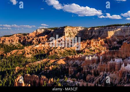 USA, Utah, Garfield Comté, Bryce Canyon National Park, Sunrise Point, Amphitheatre