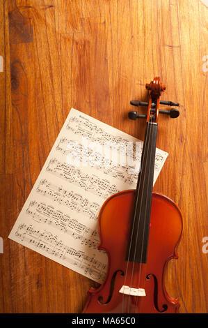 Violon classique et le score de la musique Banque D'Images
