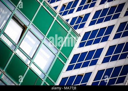 Résumé de l'architecture d'un immeuble de bureaux modernes Banque D'Images