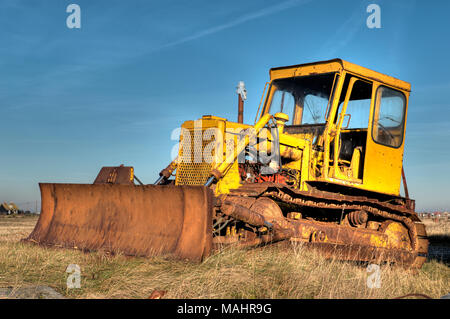 Rusty old abandoned bulldozer Banque D'Images