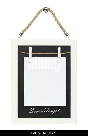 Sur le papier blanc en bois avec un cadre, sur fond blanc