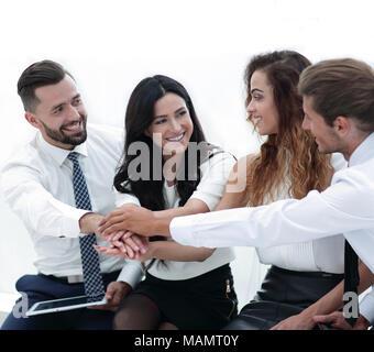 Close-up de partenaires d'affaires faire de tas de mains Banque D'Images