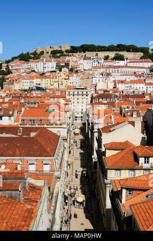 Le château São Jorge et le centre historique, Lisbonne, Portugal Banque D'Images