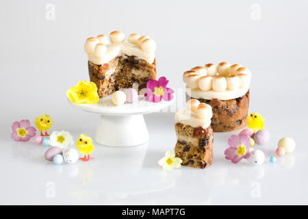 Mini Homebaked simnel cakes. Banque D'Images