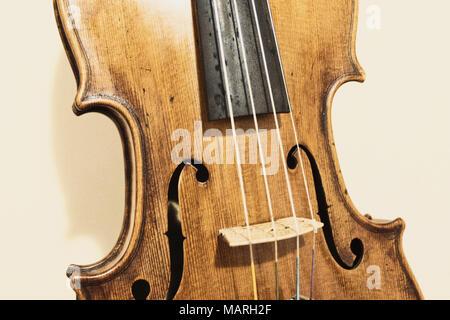 Détails - violon violon isolées (Pesaro, Italie) Banque D'Images