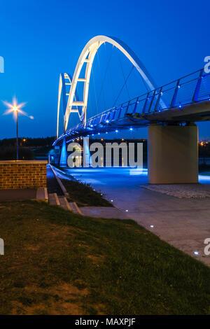 Blue Hour sur le pont de l'infini dans Stockton on Tees.