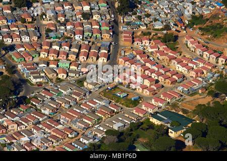 Imizamo Yethu township, Hout Bay, Cape Town, Afrique du Sud - vue aérienne Banque D'Images