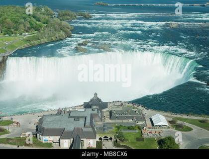 Vue aérienne de chutes du Niagara canadiennes de l'Ontario, Canada Banque D'Images