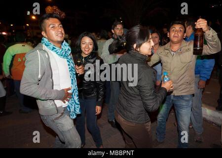 Píllaro, EQUATEUR - 6 février, 2016: Inconnu les habitants et les touristes de la danse et de célébrer la fête de l'diabladas Pillaro. Banque D'Images