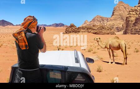 Jeep safari tour, le Wadi Rum, Jordanie Banque D'Images