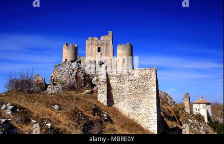 Château de Rocca Calascio, au Parc National des Abruzzes, L'Aquila, Abruzzo , Italie Banque D'Images