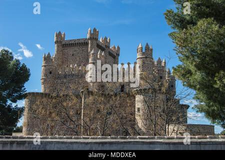 Vue sur le château de Guadamur dans la province de Tolède. Castilla la Mancha. Espagne Banque D'Images