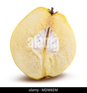 Coing jaune douce (apple) isolé sur fond blanc. Clipping path Banque D'Images