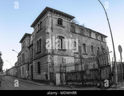 Ancienne filature de coton, une fois qu'un beau bâtiment de la province de Milan.
