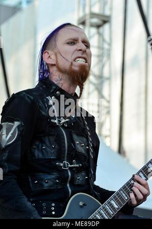 Las Vegas, Nevada, le 20 avril 2018 - Brian Jackson, guitariste de Vyces performing on stage jour 1 de la deuxième édition annuelle de Las Stique a 2 jours heavy metal music festival tenu à la Centre-ville de Las Vegas Events Center. Crédit de photo: Ken Howard Images