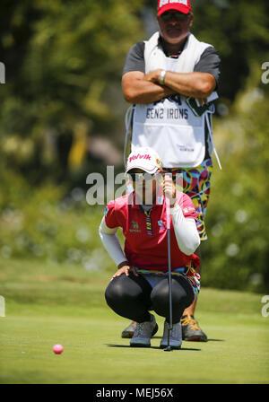 Los Angeles, Californie, USA. 22 avr, 2018. Au cours de la ronde finale de l'HUGEL-JTBC Open tournoi de golf de la LPGA au Wilshire pays le 22 avril 2018, à Los Angeles. Ringo: crédit Chiu/ZUMA/Alamy Fil Live News Banque D'Images