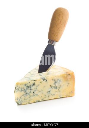 Délicieux avec du fromage bleu Couteau isolé sur fond blanc. Banque D'Images