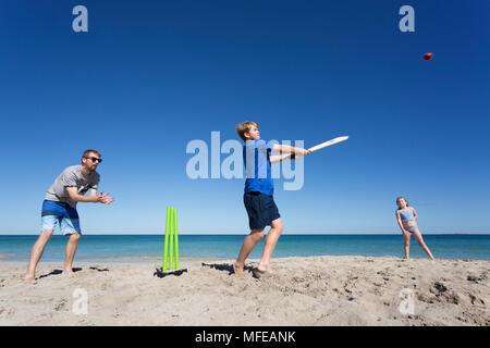 Le Cricket de plage sur une belle plage en Australie. Banque D'Images