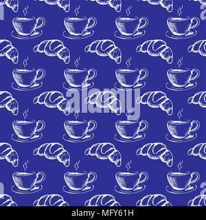 Modèle sans couture hand drawn tasse de café et un croissant. blanc sur fond bleu, stock vector illustration Banque D'Images