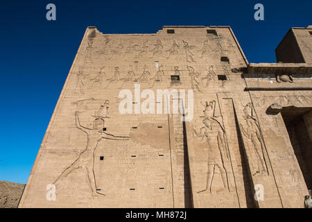 Temple ptolémaïque d'Horus (Edfou, Edfou, Idfu, Behdet), l'Égypte. Banque D'Images
