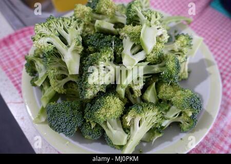 Le brocoli jusqu'fraîchement coupé Banque D'Images
