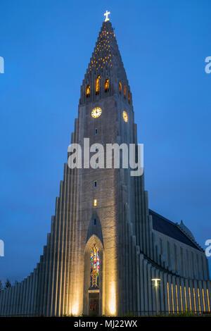 Église Hallgrims Hallgrimskirkja () par architecte d'État Guðjón Samúelsson, Reykjavik, Islande Banque D'Images