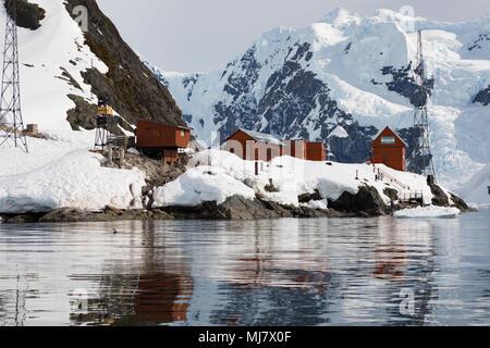 Brown Station est une base antarctique argentin et la station de recherche scientifique nommé d'après l'amiral William Brown, le père de la marine argentine locat Banque D'Images