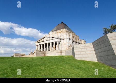 Melbourne, Australie: 12 avril 2018: le culte du souvenir est un monument de guerre dans la région de Melbourne, Victoria, Australie, situé dans la région de Kings Domain.