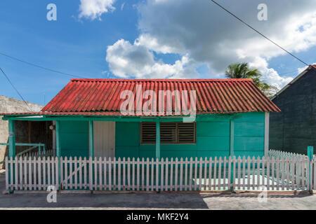 Maison en bois au Mexique. L'heure de la sieste est un must, surtout les après-midis d'été. Banque D'Images