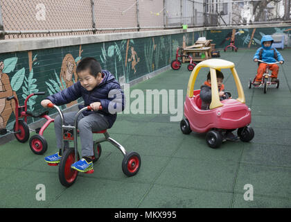 Lower East Side multi ethnic nursery school à Manhattan, New York City.