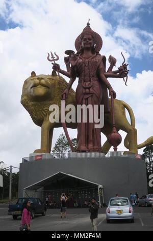Statue de Durga Mata à Ganga Talao, Grand Bassin, Ile Maurice, dieu hindou statues autour du Lac Sacré Banque D'Images