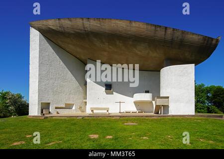 Notre Dame du haut, la chapelle de Ronchamp par Le Corbusier, France. Banque D'Images
