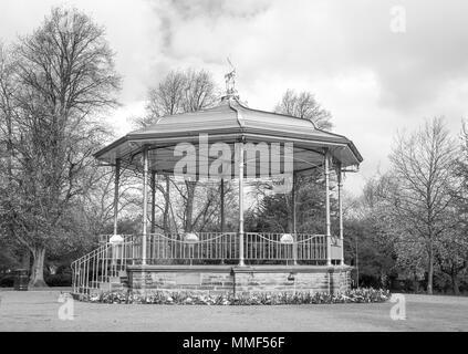 Kiosque du parc et dans la masse, la firme Ilkeston Derbyshire, Royaume-Uni Banque D'Images