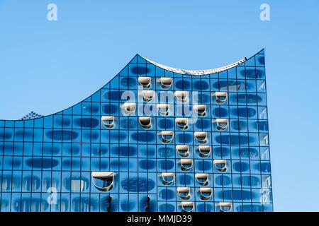 Hambourg, Allemagne - le 8 mai 2018: dans le quartier de hafencity Elbphilharmonie, Hambourg, Allemagne