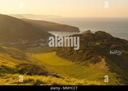 Crique de Lulworth Cove au lever du soleil, Dorset Banque D'Images