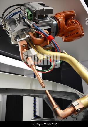 Close up de spot de voiture robot de soudure détail Banque D'Images