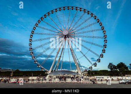 La grande roue sur la Place de la Concorde à Paris Banque D'Images
