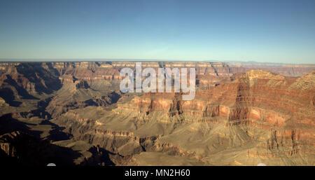 Grand Canyon vue depuis un hélicoptère. Banque D'Images