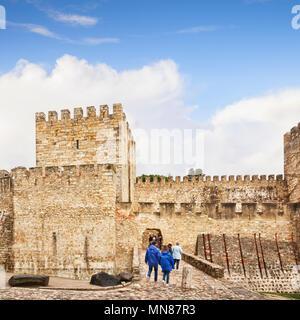 1 mars 2018: Lisbonne Portugal - Touristes de Castle of St George. Banque D'Images