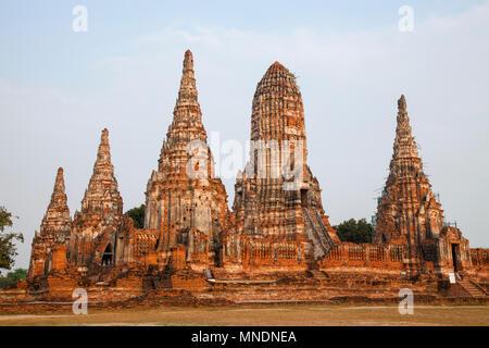 Wat Chaiwatthanaram temple bouddhiste dans la ville d'Ayutthaya Historical Park, en Thaïlande. Le plus connu d'Ayutthaya temples et une attraction touristique majeure. Banque D'Images