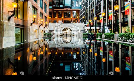 À l'intérieur du Centre du Commerce Mondial Montréal Banque D'Images