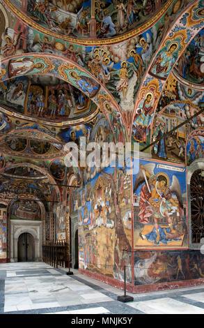 Le monastère de Saint Ivan de Rila, mieux connu comme le Monastère de Rila est le plus grand et le plus célèbre monastère orthodoxe en Bulgarie. Banque D'Images
