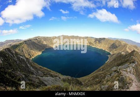 Vue panoramique du lac de cratère Quilotoa, Equateur Banque D'Images