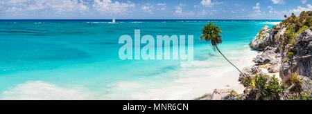 Superbe plage des Caraïbes près de ruines de Tulum au Mexique Banque D'Images